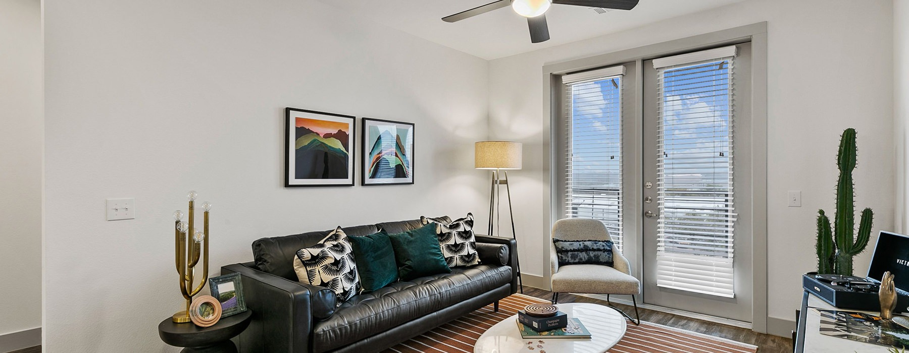 Explore Photos Of Our Apartments Near Downtown Fort Worth
